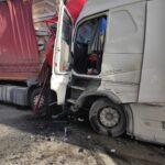Тежка катастрофа между два ТИР-а на пътя между Ботевград и Мездра