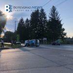 Автомобил се обърна в Ботевград. Осем души се стекоха за помощ
